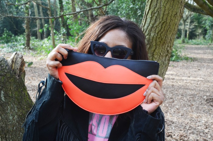 Monki smile clutch quay cat eye sunglasses